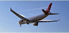Turkish Airlines TC - JNK (Stefan Wirtz) Tags: tcjnk zrh lszh turkishairlines airbus airbusa330343 airbusa330343x a330 a330343 a330343x kloten zürich zürichairport zürichflughafen zurich kantonzürich flughafen flughafenzürich flugzeug widebody grossraumflugzeug langstreckenflugzeug passagiermaschine passagierjet jet jetplane düsenjet düsenflugzeug vortex himmel schweiz suisse switzerland arrival cockpit