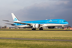 KLM Royal Dutch Airlines | PH-BHL (Lelie) (TommyYeung) Tags: lelie klm klmroyaldutchairlines phbhl 荷蘭皇家航空 koninklijkeluchtvaartmaatschappij 荷航 kl journeysofinspiration boeing boeingcommercialairplanes boeing787 787dreamliner 787 7879 b787 b789 boeing7879 boeing7879dreamliner dreamliner widebodyjetairliner widebodyjet widebody plane planespotting planephoto planes airplane aeroplane aviation generalelectric geaviation aircraft airliner air airline airliners airlines airtransport airframe fly flymachine jet jetairliner twinjet passengerjet commercialjet landing touchdown spotter spotting spot transportspotting transport transportphotography transit transportation ams eham amsterdam schipholairport amsterdamschipholairport amsterdamairport polderbaan schiphol genx genx1b canon canonphotography canoneos5d4
