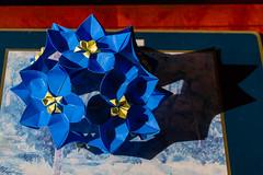 Columbine - construction (Brian Ritchie) Tags: columbine meenakshimukerji construction modular origami