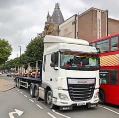 DG15AHV (Waterford_Man) Tags: daf artic truck london dg15ahv