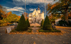 Castle under the Sky. (Alex-de-Haas) Tags: 11mm adobe aurorahdr aurorahdr2019 blackstone brabant d850 dutch europa europe hdr holland irix irix11mm lightroom nederland nederlands netherlands nikon nikond850 noordbrabant skylum vught autumn beautiful beauty cirrus city cityscape clouds dorp fall herfst landscape landschaft landschap lucht skies sky skyscape stad stadsfotografie straat street suburban sunny town urban village zonnig northbrabant nl
