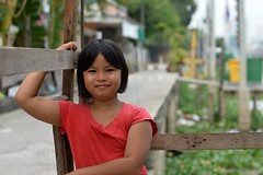comfortable in front of the camera (the foreign photographer - ฝรั่งถ่) Tags: preteen girl child comfortable pose sitting wooden shelter khlong land prao portraits bangkhen bangkok thailand nikon d3200