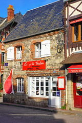 Veules les Roses (jmarnaud) Tags: france 2018 autumn family normandy veules les roses sea beach village walk building house street people church