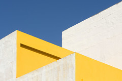 Yellow and white walls (Jan van der Wolf) Tags: map168111vv yellow gevel gebouw geel geometric geometry geometrisch geometrie wall muur grancanaria arinaga muren