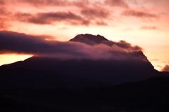 DSC_9836 (griecocathy) Tags: paysage pic bugarach nuage ciel coloré lever soleil noir bleu rose orange crème saumoné violet