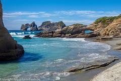 Wharakiki Beach (xrxss15) Tags: beach felsen himmel landscape landschaft meer natur nature neuseeland newzealand puponga rocks sea sky southisland strand südinsel tasmansea tasmanischesee water waves wellen wharakikibeach