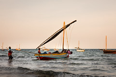 evening shift for the whole family (Steven-ch) Tags: africa overland sail southernafrica baobabbeachcampsite canon evening sea eos5dmarkiv adventure fishing travel vilanculos ultimateadventures mozambique shore boat family indianocean goldenhour fisherman vilankulo inhambaneprovince mz