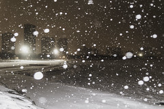 Waveless tonight (aerojad) Tags: eos canon 80d dslr 2019 chicago urban snow snowing winter february bokeh snowkeh outdoors city lakemichigan night nightphotography nightscape winterscape snowscape
