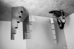 Upside down. (satoprofor) Tags: girl art black white bw stairs hole woman mujer escaleras blanco negro bn
