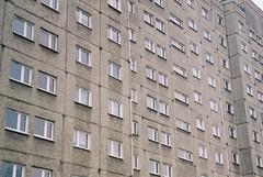 000049 (dominika.pancerz) Tags: 35mm analog analogue film canoneos1000 canon city architecture kodak kodak200 krakow nowahuta