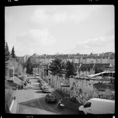 Stadt (tiltdesign2016) Tags: analogphotography adoxgolf63 mittelformat ilfordfp4plus canoncanoscan9000f ilfordilfosol319 wuppertal stadt street strase haus gruppe mit