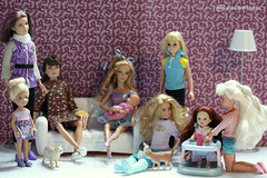 the kids are all right (photos4dreams) Tags: blond blonde dress barbie mattel doll toy photos4dreams p4d photos4dreamz barbies girl play fashion fashionistas outfit kleider mode puppenstube tabletopphotography fleamarket finding flohmarktfund used renewed skipper kids girls mädchen kinder stacie