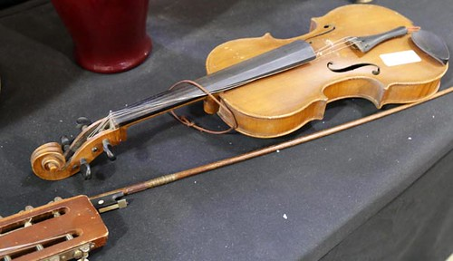 Violin with Bow ($201.60)