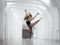 (dimitryroulland) Tags: nikon d750 85mm 18 dimitryroulland performer art artist dancer dance ballet ballerina ny nyc newyork city urban street station white flexible people flexiblity pointe natural light