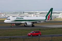 "Alitalia Airbus A320-216 EI-DTK ""Giovanni Verga"" (M. Oertle) Tags: alitalia airbus a320216 eidtk giovanniverga"