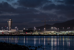 last minute of daylight (pbo31) Tags: bayarea california night dark black nikon d810 march 2019 boury pbo31 city spring color sanfranciscointernational sfo burlingame sanmateocounty airport airline plane aviation travel flight boeing reflection alaska delta terminal tower sky construction crane