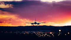 Sunset landing (bosman5544) Tags: airport airplane sunset plane clouds sky