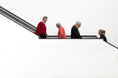 Red crosses pink / Gemeentemuseum / The Hague 2019 (zilverbat.) Tags: candid canon denhaag museum candidphotography zilverbat peopleinthecity pin tripadvisor travel stairs gemeente gemeentemuseum thenetherlands thehague dutchholland people portrait peopleofthehague portret peopleinthestreet erwin olaff urbanlife citylife city stadt bild urban urbanvibes white project red pink hofstad holland