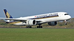 9V-SMP (AnDyMHoLdEn) Tags: singaporeairlines a350 staralliance egcc airport manchester manchesterairport 05r