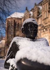 Stat You? (PeskyMesky) Tags: aberdeen scotland kingscollege kingscollegeaberdeen kings statue dof depthoffield city architecture snow winter february 2019 flickr canon canon5d eos