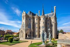 DSC01083 (Víctor M.H.) Tags: palacio palace sonya7 sony astorga zeiss1635f4