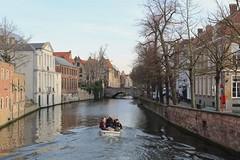 Dijver (Brian Aslak) Tags: brugge bruges westvlaanderen vlaanderen flandre flanders belgië belgium belgique europe town canal boat dijver
