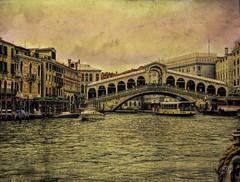 nexta stoppa - Rialto (ellynwriting - slowmode) Tags: rialto venice venezia vaporetto gondola barge grandcanal italy italia watertaxi