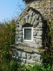 DSCN6136 (2) Montfarville (Manche) (Thomas The Baguette) Tags: barfleur montfarville valdesaire rape colza cotentin manche lamanche lemoulard lasambiere calvaire oratoire crabec moulin