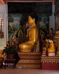 IMGP1287 Golden Buddha (Claudio e Lucia Images around the world) Tags: watpreahpromrath siemreap cambodia cambogia buddhist buddha monks buddista temple tempio orange gold asia pagoda pentax pentaxkp pentaxart pentaxlens pentax18135 pentaxcamera