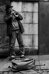 (Marcos Lomba) Tags: trumpeter street trompetista callejero