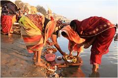 India Travel Photography: Aarti Ceremony, Nada Sadhus & burning Ghats at Varanasi 2019 Benares.057 by Hans Hendriksen (Travel Photography - Reisfotografie) Tags: india travel photography uttar pradesh north noord crowd reisfotografie reisfoto varanasi cremation ghat ghats benares banāras kashi kasi 2019 bad baden bath snan bathing people planet naked naakt naga sadhu saddhu baba nackt hindu hindus hindoe hindoes ganga gangus ganges river rivier march holy heilig sacred ceremony ceremonie religion religie nude dahues babas pelgrims pilgrimage pilgrims bedevaart menigte hindúes sagrado río aarti fire vuurceremonie burning manikarni manikarnika dead reincarnation reincarnatie afterlife