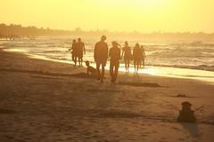 Пісочна баба (Pavlo Kuzyk) Tags: ocean beach couple man woman walking sunset canon