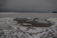 IMG_8990_edit (SPihtelev) Tags: ладога ленинградская область озеро зима лед льды вода маяк