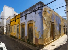 urban decay (try...error) Tags: blue sky yellow gelb abandoned house building old sony alpha 6300 1018 emount