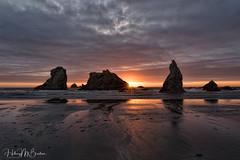 Oregon sunset (Hilary Bralove) Tags: bandon oregoncoast oregon pacificnorthwest pacific ocean sunset seascape landscape beach nikon colorful