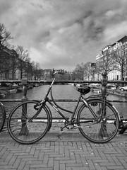 bike 🚲 (Jos Mecklenfeld) Tags: keizergracht noordholland netherlands canals grachten amsterdam fiets bicycle bike bw