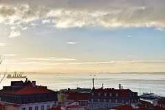 Morning chill (Pictures in my head) Tags: portugal lisbon lisboa new city trip town discover discovery nature lover explore explorer beauty landscape water clouds architecture photography relax colours roofs ship history student holiday winter weather amazing horizon enjoy time travel tranquility sky paysage photo picture postcard perfect