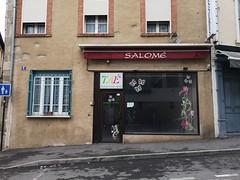 Taé parti ou ? sans laissé d' adresse (laphotoduxix) Tags: drome 26 façade commerce ancien désertification travaux