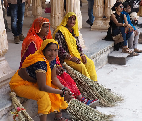 Amber Fort cleaners