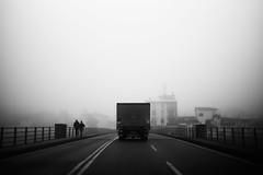 L1045837 (Daniele Pisani) Tags: lenzuola signa protesta smog traffico code file lastra nebbia fuomo fumo strada