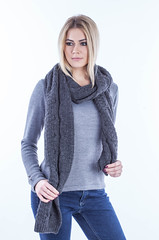 beeanddonkey_sweter_IMG_7484 (beeanddonkey) Tags: sweter sweater beeanddonkey dzianina moda fashion madeinpoland knitted knitwear woman style