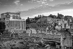 Roman Forum in BW (Claudio_R_1973) Tags: architecture monument historical ancient romanempire rome romanforum romanfora foriimperiali viadeiforiimperiali blackandwhite bw black white monochrome sunset city cityscape urban landscape outdoor tourism