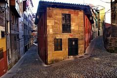 Oviedo 2008. Asturias. España. (Lucio José Martínez González) Tags: luciojosémartínezgonzález españa oviedo asturias ciudad city edificio building spain ngc