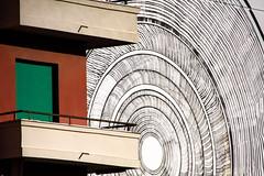 pigneto, cerchi (duegnazio) Tags: italia italy lazio roma rome duegnazio canon40d pigneto streetart graffiti murales edificio cerchi
