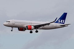 SAS A320neo (Martyn Cartledge / www.aspphotography.net) Tags: a320neo a32n a350900 a350xwb aerodrome aeroplane air airbus aircraft airline airliner airplane airport aspphotography aviation cartledge civilairline civilairliner daixc eisih flight fly flying flywinglets jet lufthansa martyn plane runway sas transport wwwaspphotographynet wwwflywingletscom uk asp photography