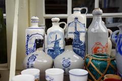 Delft blue (Eric Flexyourhead) Tags: delft zuidholland southholland netherlands holland nederland pottery earthenware delftpottery delftblue delftware sonyalphaa7 zeisssonnartfe35mmf28za zeiss 35mmf28