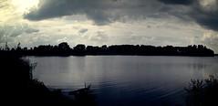 Sonne & Wolken über dem See - 11. August 2006 - Schleswig-Holstein - Deutschland (torstenbehrens) Tags: nikon e5700 sonne wolken über dem see 11 august 2006 schleswigholstein deutschland