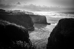 Acantilados al atardecer (ccc.39) Tags: galicia lugo mar cantábrico costa playa atardecer rocas blancoynegro byn bw blackandwhite monochrome beach sunset coast sea