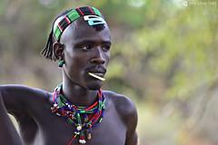 20180925 Etiopía-Turmi (890) R01 (Nikobo3) Tags: áfrica etiopía turmi etnias tribus hamer people gentes portraits retratos social culturas tradiciones escarificaciones travel viajes nikon nikond800 d800 nikon7020028vrii nikobo joségarcíacobo