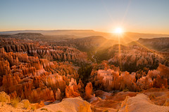 Bryce Canyon (marcmyr) Tags: orange yellow colorful sky explore landscape landschaft summer warm national park d610 sun rays sonnenaufgang nikon natur nature sunrise southwest roadtrip brycecanyon usa
